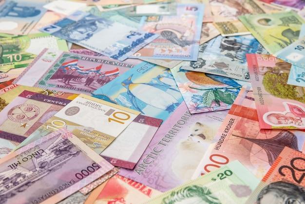 Światowe pieniądze jako tło