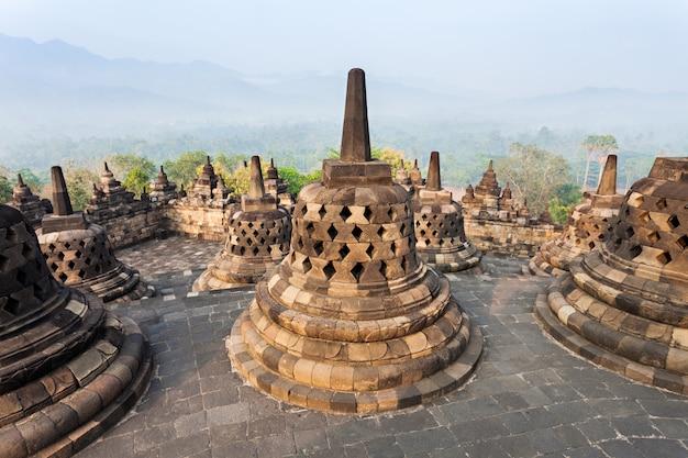 Świątynia borobudur