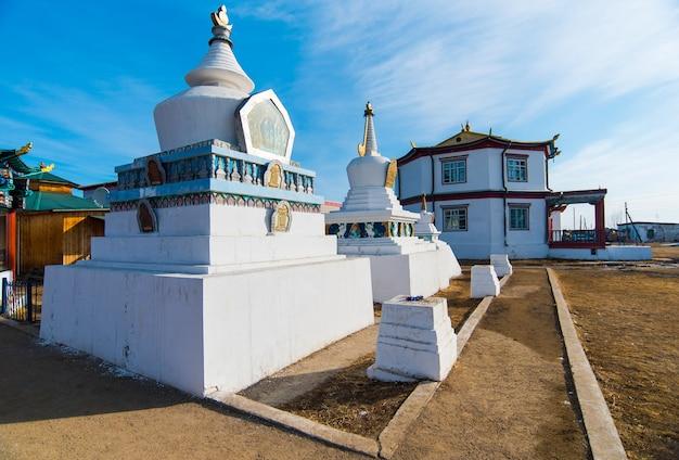 Świątynia buddyjska ivolginsky datsan w buriacji w rosji