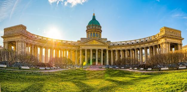 Świątynia kazańska - największe dzieło architektoniczne. sankt petersburg. rosja.