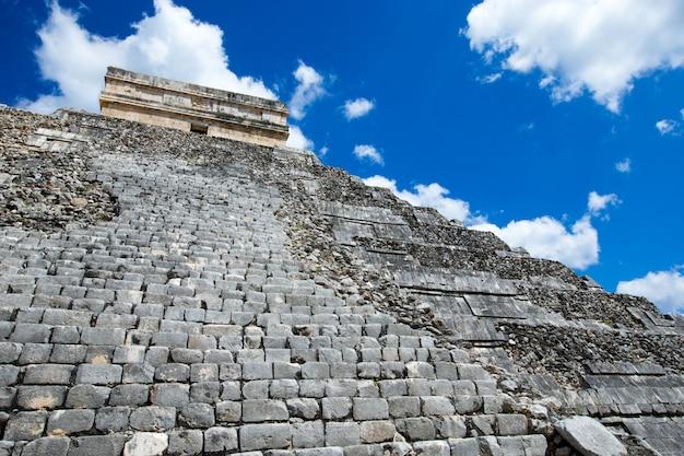 Świątynia kukulkanu, piramida w chichen itza,