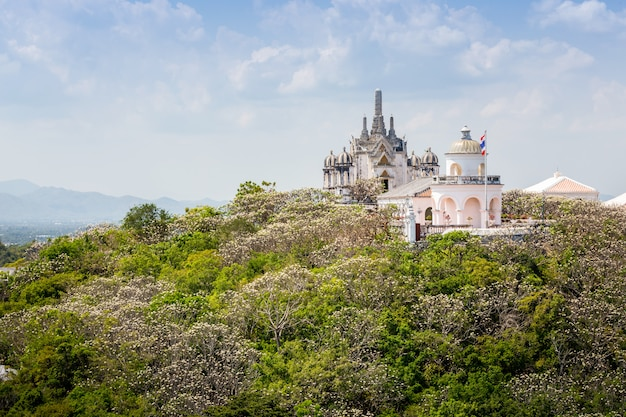 Świątynia na szczycie góry, detale architektoniczne z phra nakhon khiri historical park
