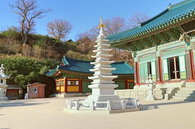 Świątynia naksansa w korei południowej