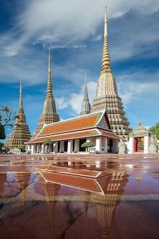 Świątynia pho w bangkoku, ten obraz można wykorzystać dla tajlandii, wielkiego pałacu