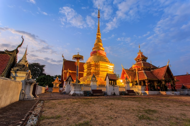 Świątynia pongsanuk, lampang, tajlandia. nagroda dziedzictwa azji i pacyfiku za ochronę dziedzictwa kulturowego