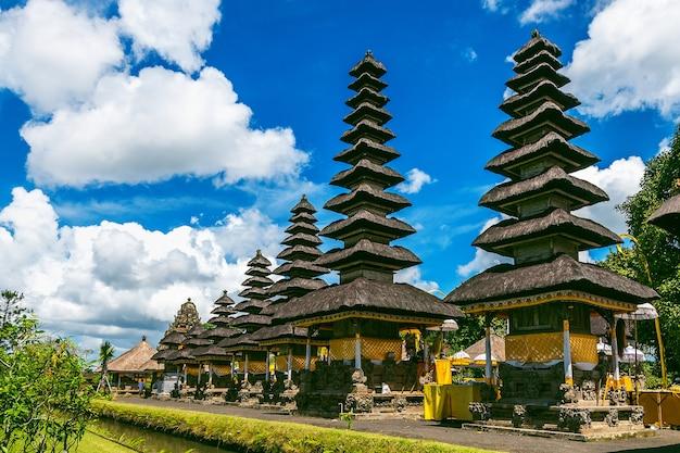 Świątynia pura taman ayun na bali w indonezji
