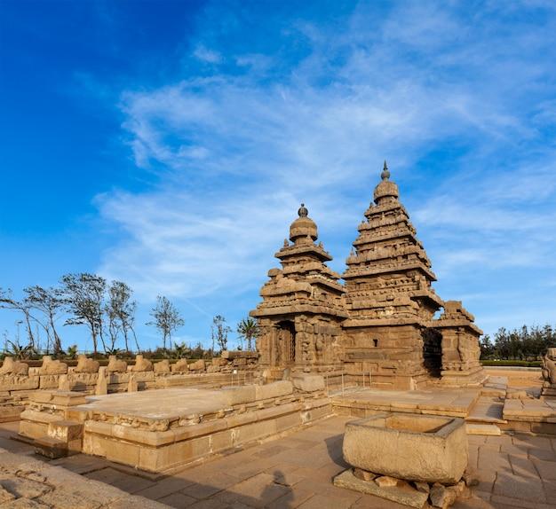 Świątynia shore w mahabalipuram, tamil nad