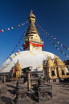 Świątynia swayambhunath w katmandu