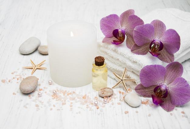 Świeca, orcids i ręczniki