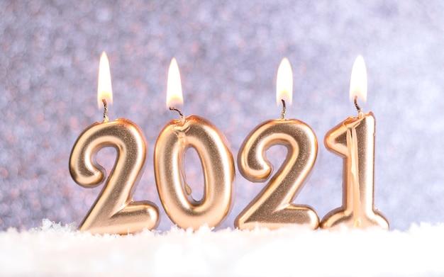 Świece na nowy rok