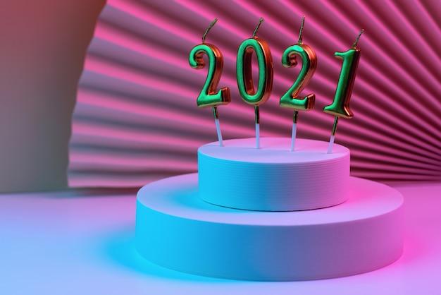Świece noworoczne 2021 na okrągłym podium