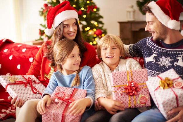 Święta bożego narodzenia z rodziną w domu