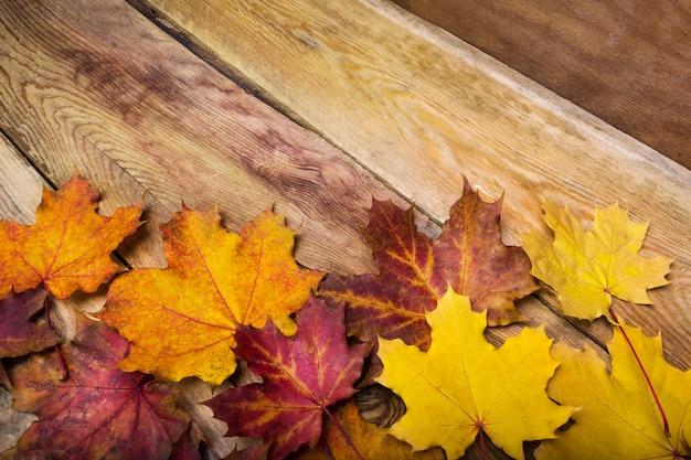 Święto dziękczynienia rustykalne kartkę z życzeniami z liści klonu, miejsce