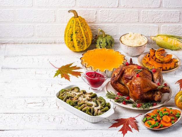 Święto dziękczynienia tradycyjna świąteczna kolacja
