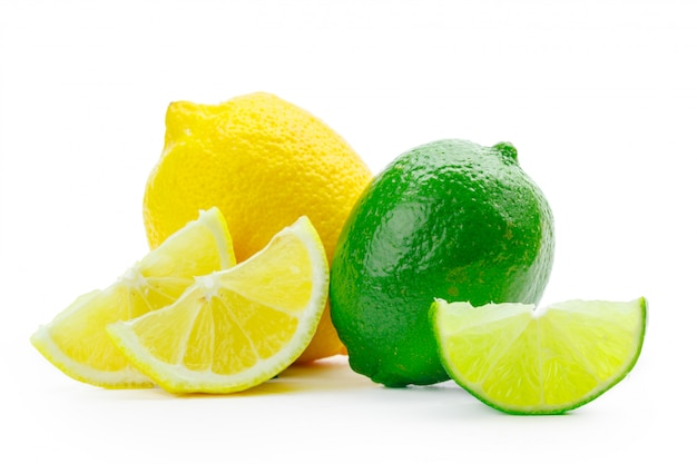 Świeża limonka i cytryna