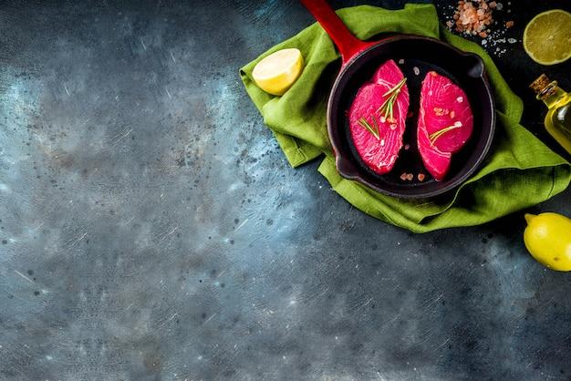 Świeża surowa tuńczyk