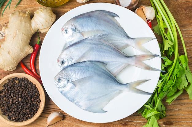 Świeże butterfish