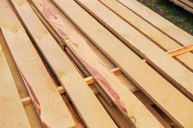 Świeże drewniane deski