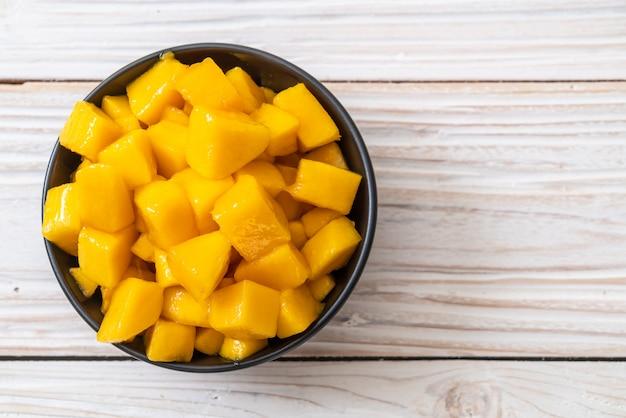 Świeże i złote mango