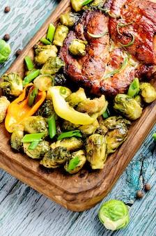 Świeże mięso z grilla