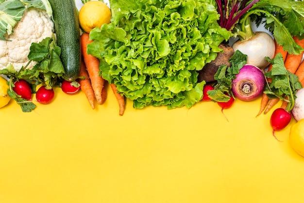 Świeże, organiczne warzywa mieszane