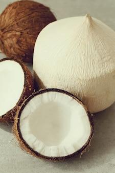 Świeże orzechy kokosowe