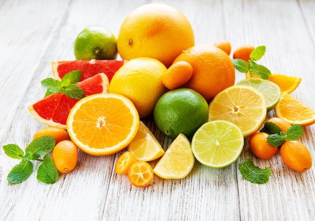 Świeże owoce cytrusowe
