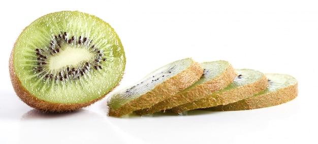 Świeże owoce kiwi