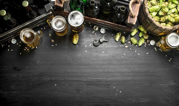 Świeże piwo i składniki