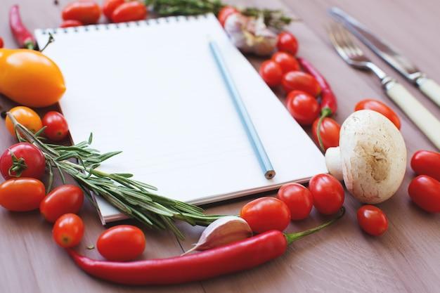 Świeże warzywa. dieta. miejsce na twój tekst.