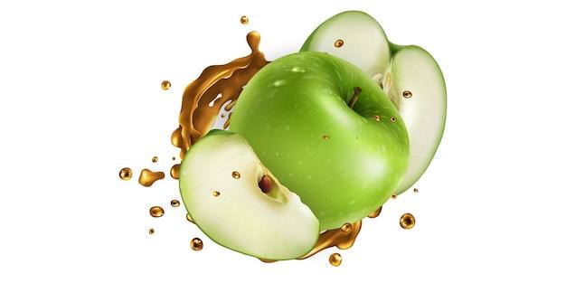 Świeże zielone jabłka i odrobina soku owocowego na białym tle