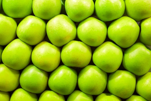 Świeże zielone jabłka