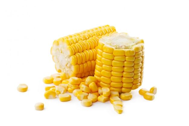 Świeże żółte kaczany kukurydzy