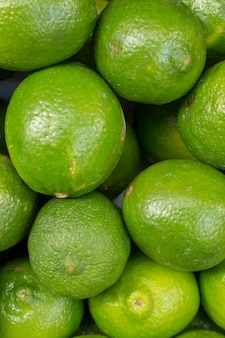 Świeżej zielonej wapno abstrakcjonistyczny owocowy kolorowy