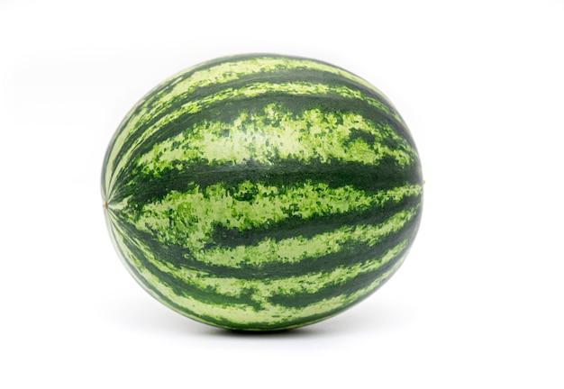 Świeży cały arbuz odizolowywający, pełny zielony arbuz jagoda