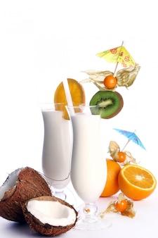 Świeży i smaczny letni koktajl
