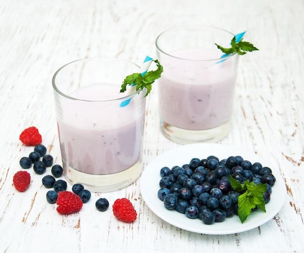 Świeży jogurt owocowy