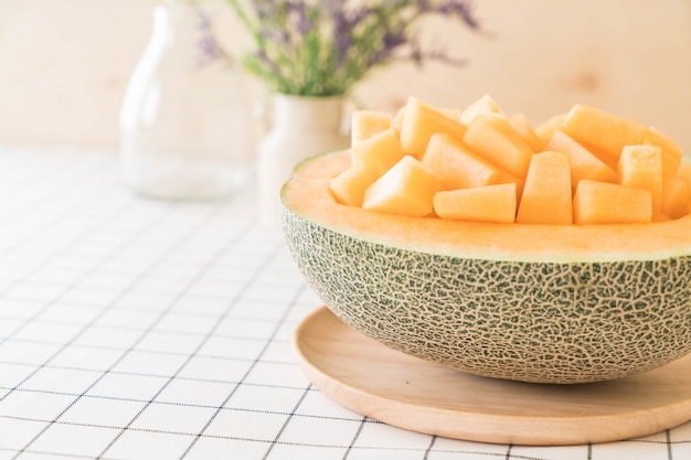 Świeży melon kantalupa