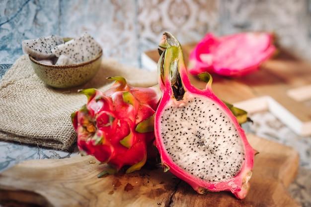 Świeży owoc smoka