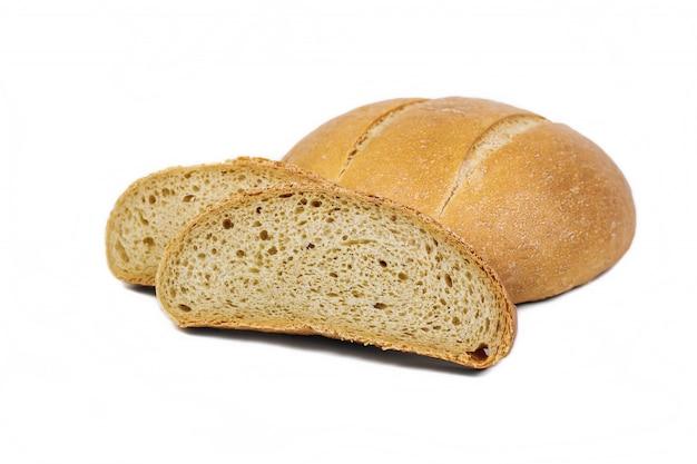 Świeży produkt piekarniczy. chleb. biały round pszeniczny chleb odizolowywający na białym tle. widok z góry i kopiowanie miejsca na tekst.