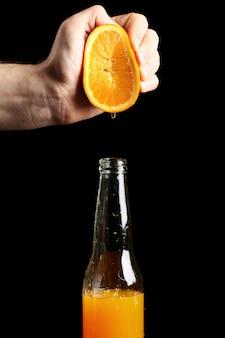 Świeży sok pomarańczowy squezeed