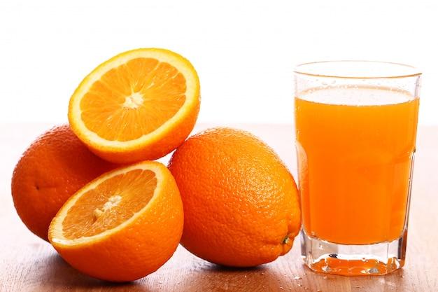 Świeży sok pomarańczowy