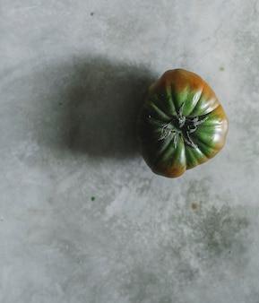 Świeżych pomidorów heirloom organicznych zielony