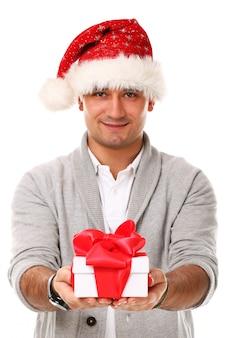Swobodny dorosły z czapką świąteczną