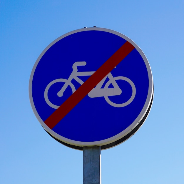 Sygnał ruchu rowerowego na ulicy