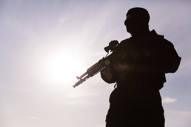 Sylwetka żołnierza