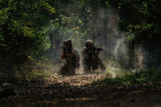 Sylwetka żołnierzy akcji