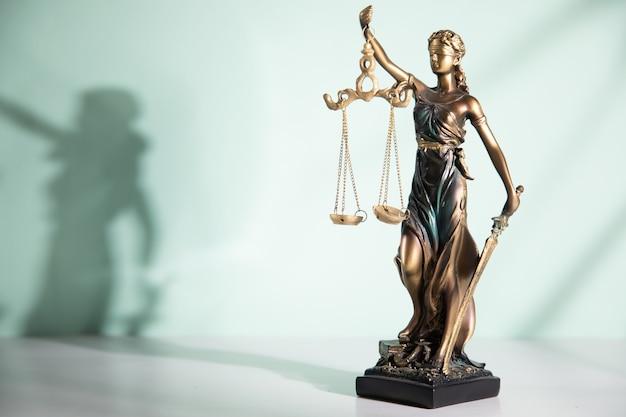 Symbol statuy sprawiedliwości
