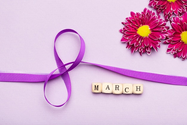 Symbol wstążki dzień kobiet