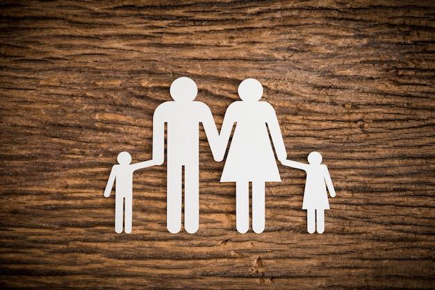 Symbolizujący rodzinę łańcuchów papierowych